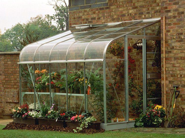 Или полноценная садовая конструкция для габаритных растений