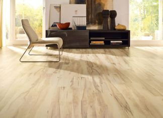 Какой лучше выбрать ламинат для квартиры: изучаем особенности покрытий и варианты использования материалов разной плотности