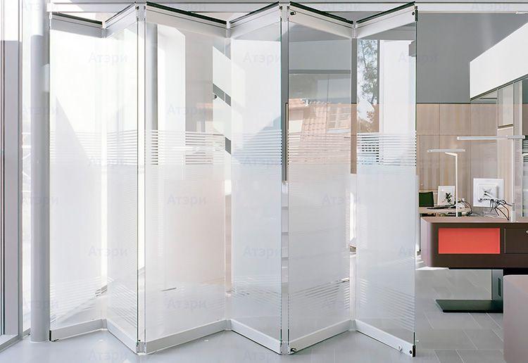 От типа стекломатериала зависит конструкция перегородки