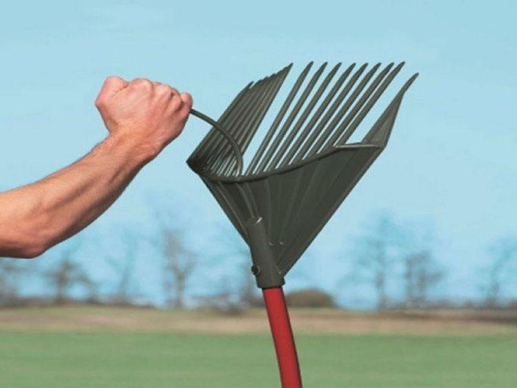 Вес лопаты – чуть меньше восьмисот граммов