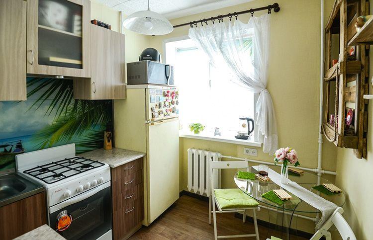 Минимум декора – закон для маленькой кухни