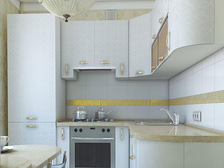 Фото дизайна кухни с холодильником в «хрущёвке»