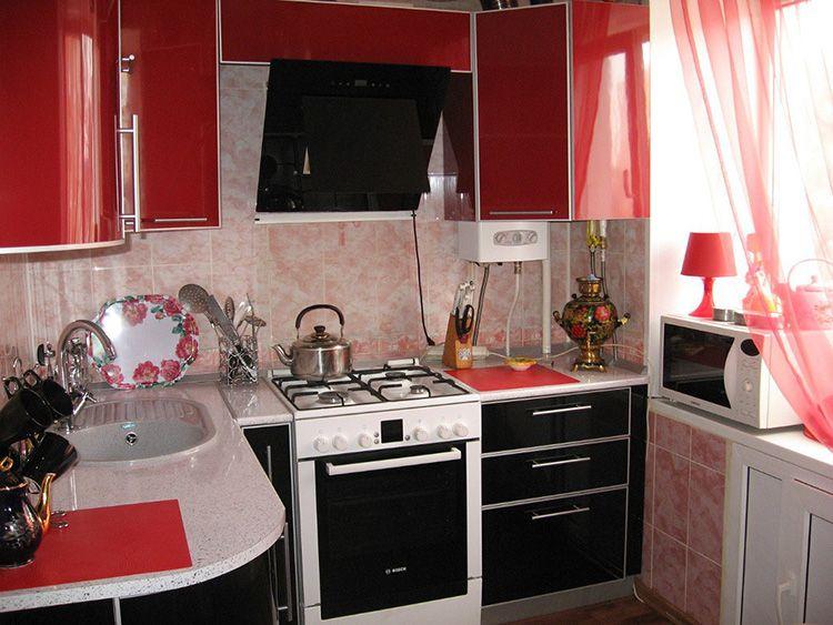 Делая ремонт на маленькой кухне нужно сначала всё тщательно продумать