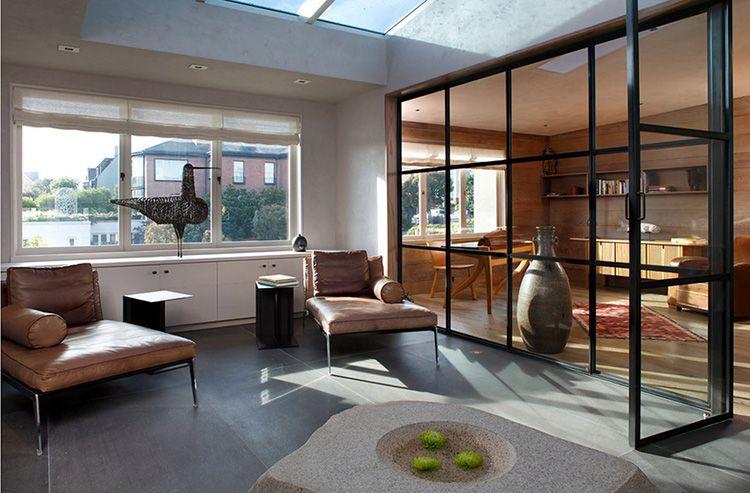 Стеклянные перегородки в квартире: фото, виды и нюансы установки