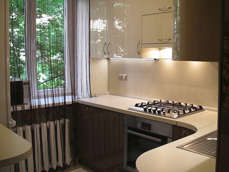 В маленькой кухне всё должно быть функционально, лаконично и практично