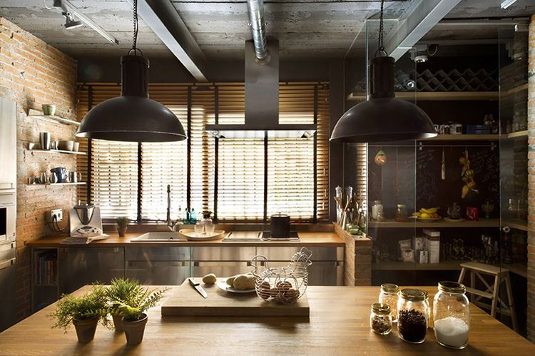 Промышленные светильники в кухне в стиле лофт