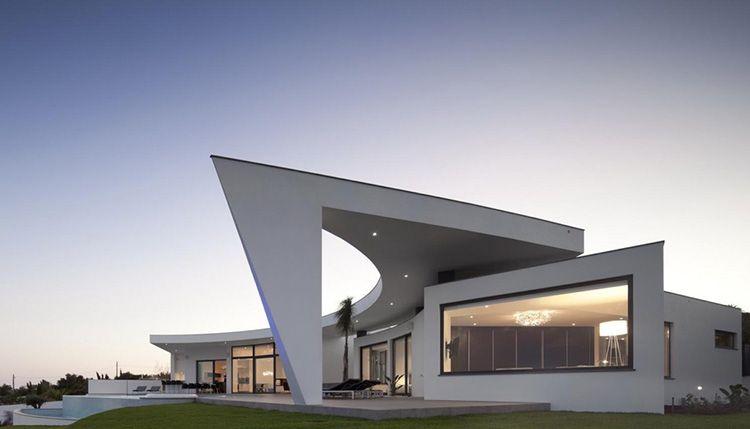 Прелесть частного дома в стиле хай-тек: фото проектов, особенности, интерьеры