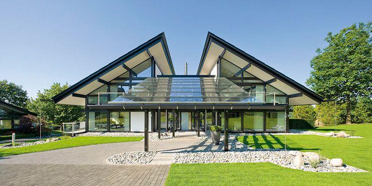 Как правило, подобные конструкции отличаются особой геометрией, подчеркивающей специфику строительного материала