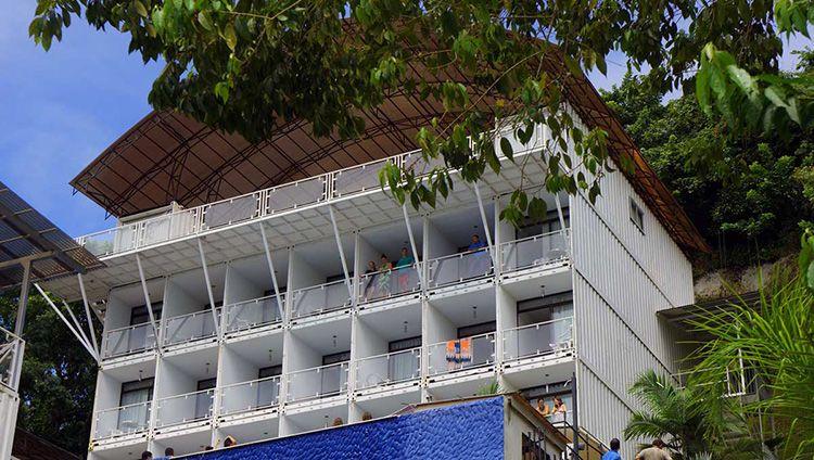 Гостиница Shipping Container Hotel, построенная с использованием морских контейнеров в Коста-Рика