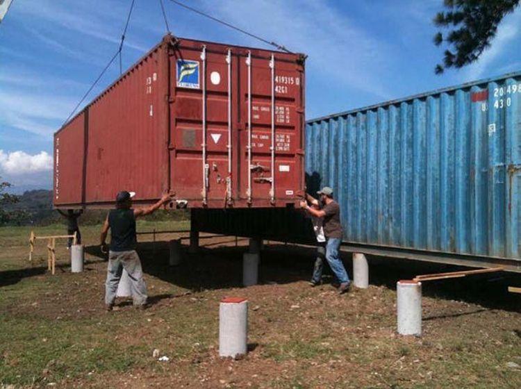 Монтаж контейнера на подготовленный столбчатый фундамент