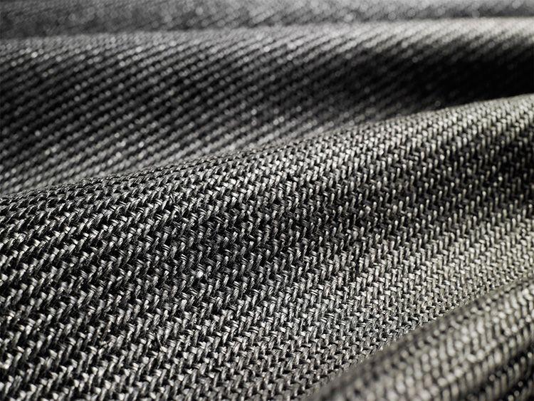 У вязаного геотекстиля достаточно большая плотность
