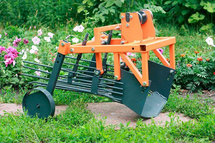 Картофелекопалка облегчает процесс сборки урожая