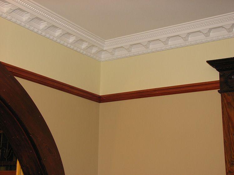 Подбирать декоративные элементы следует с учетом особенностей оформления конкретного помещения