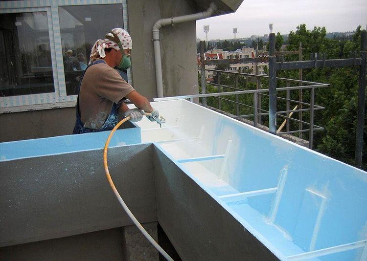 Полимерное покрытие быстро твердеет и легко ремонтируется при необходимости