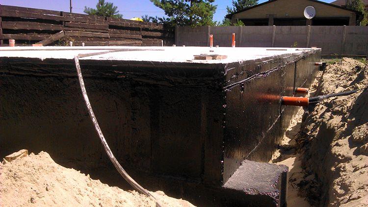 В этом случае композитная арматура в комбинации с гидрозащитным материалом создает надежный барьер вокруг сооружения