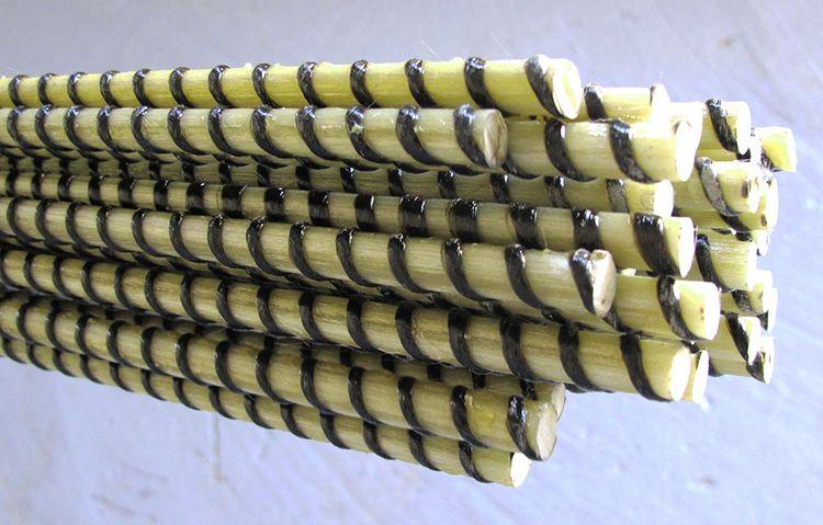 Арматуру выпускают в форме прутков, армирующей сетки и готовых каркасов