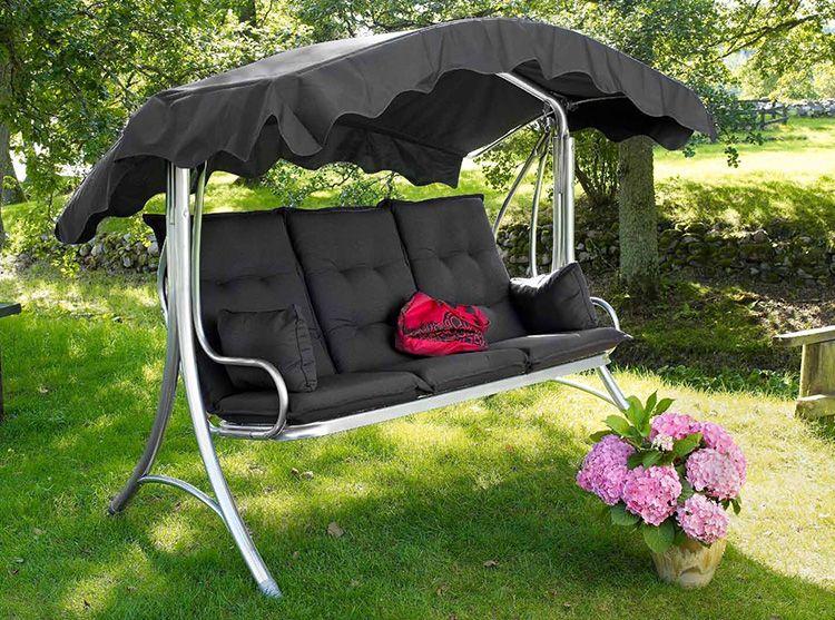 Садовые качели – отличный способ отдохнуть в саду на даче