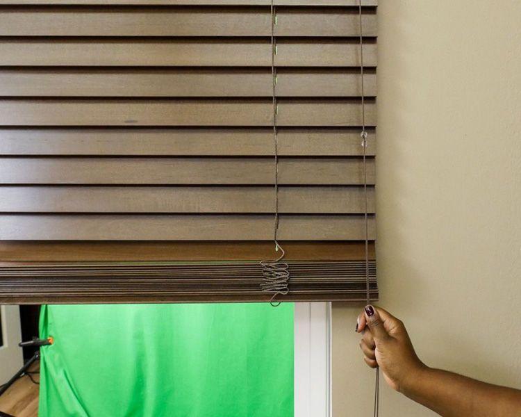 Подъём и опускание жалюзи при помощи шнура