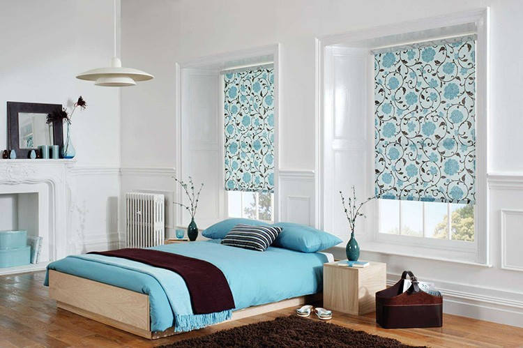 Рулонные шторы просты в использовании и очень лаконичны