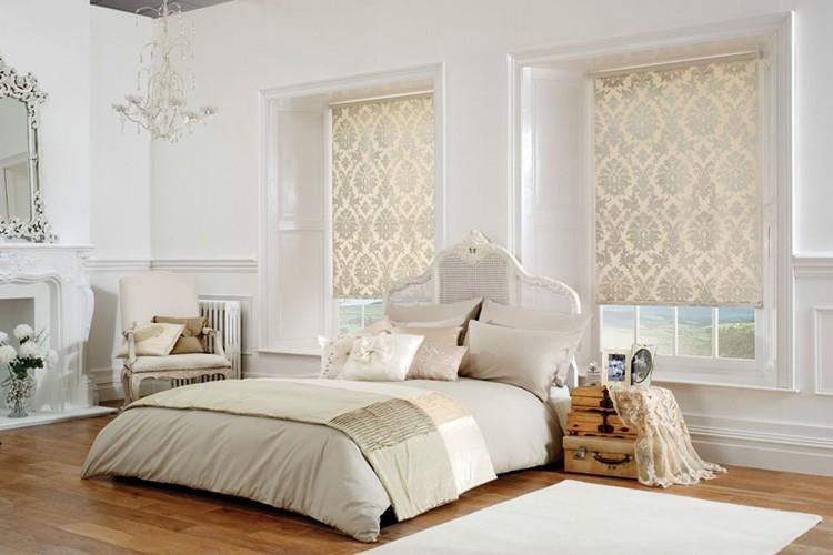 Рулонные шторы могут быть однотонные или с различными узорами