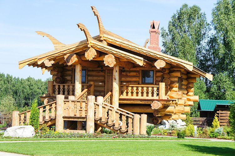 Если вы готовы вложить деньги в долговечную постройку – выбирайте рубленый кедр