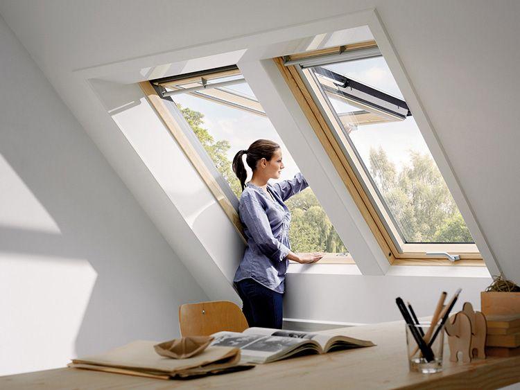 Размер окна зависит от конструкции мансарды