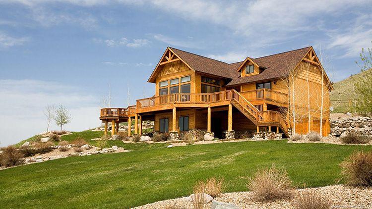 И ещё один факт в защиту елового пиломатериала: он очень лёгкий, а, значит, дом из ели не требует усиленного фундамента