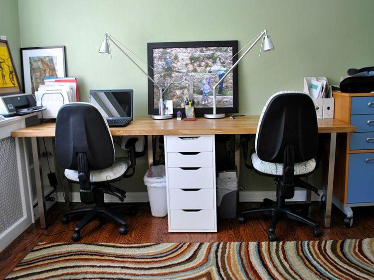 Рабочее место для двух детей должно быть таких размеров, чтобы каждому из них было удобно и комфортно