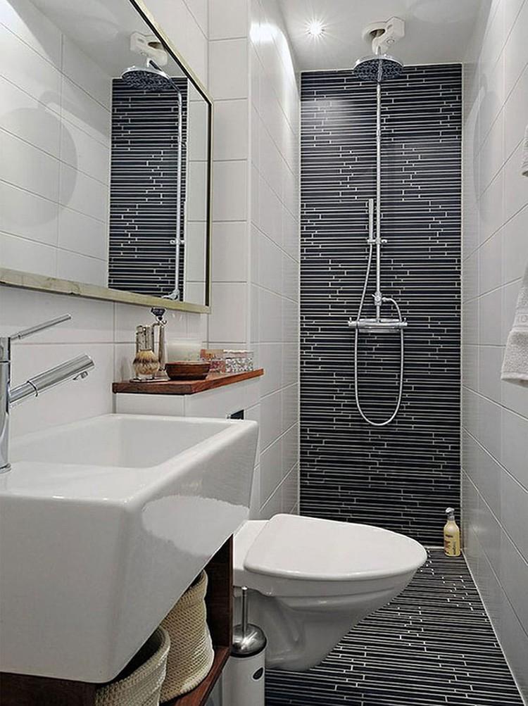 Одну стену санузла следует оформить ярким узором