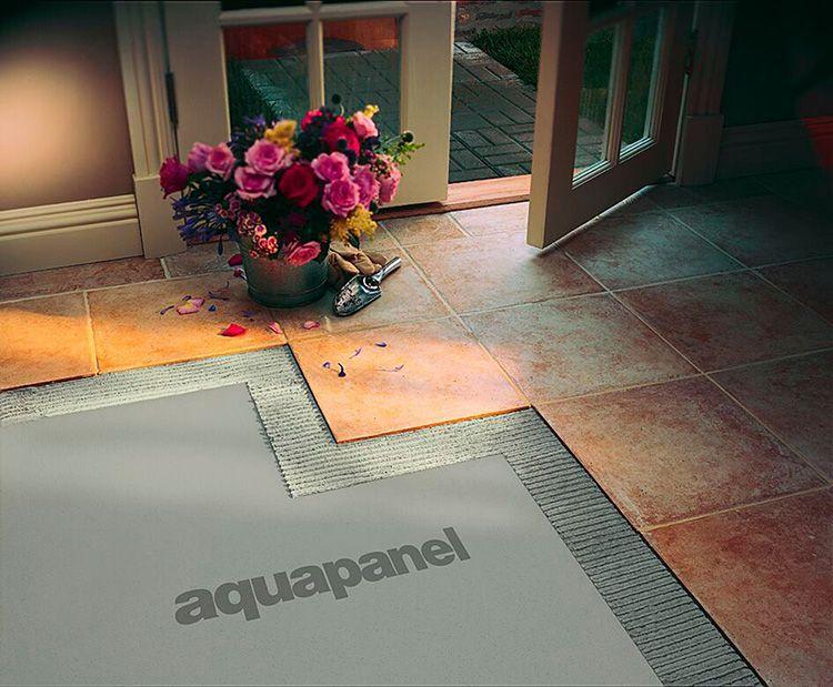 Аквапанели Knauf для пола 900×1200×6 мм отлично скрывают все стыки и неровности чернового пола, и могут использоваться в процессе реставрационных работ