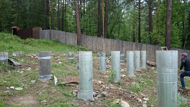 Дополнительно можно укреплять стенки буронабивных свай гидроизоляцией или обсадной трубой