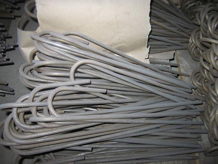 Длина крепежей – до 120 см, а диаметр – до 1,5 см