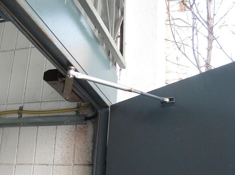Сквозняков больше нет: выбираем правильные доводчики для входных дверей