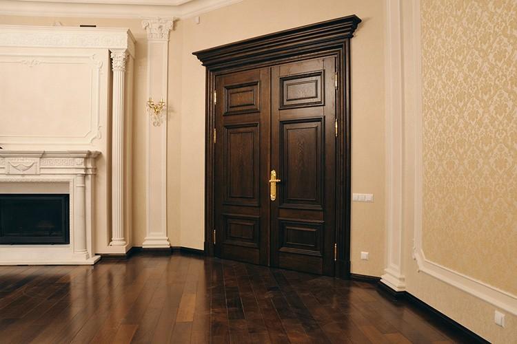 🚪 Двери из массива дерева: когда стоит выбрать именно их