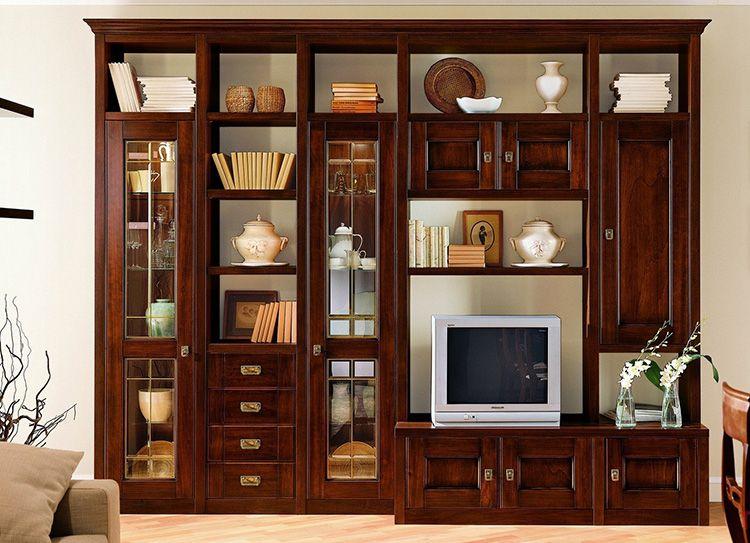 Из ореха, вишни или дуба изготавливают дорогие фасады и элементы отделки