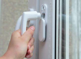 Скажем «Да!» безопасности, или Почему так необходима защита от детей на окна