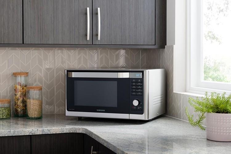 Микроволновая печь – ценная помощница на кухне. Оказывается, она будет незаменима и в процедуре консервации