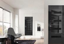 Почему выбирают глянцевые межкомнатные двери: фото в интерьере и отличительные особенности