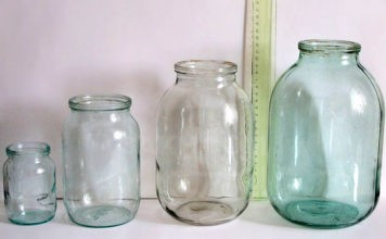 Домашние заготовки без проблем: как стерилизовать пустые банки в микроволновке