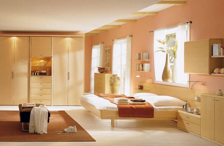 Персиково-бежевая спальня – сосредоточие тепла и покоя