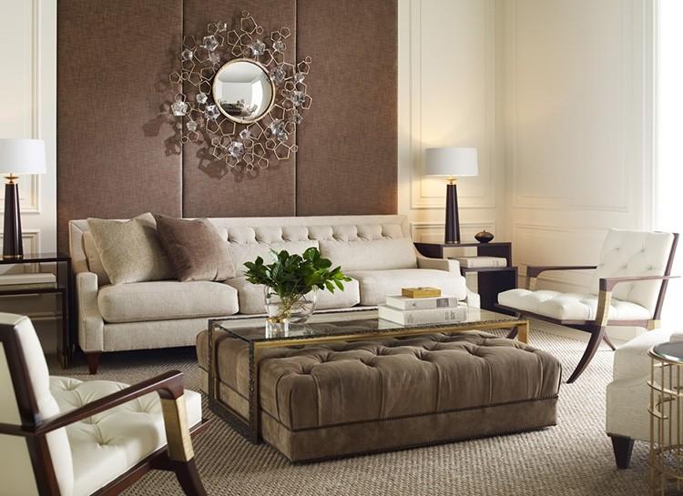 Коричневый цвет в бежевой гостиной вызывает ассоциацию с кофе и шоколадом