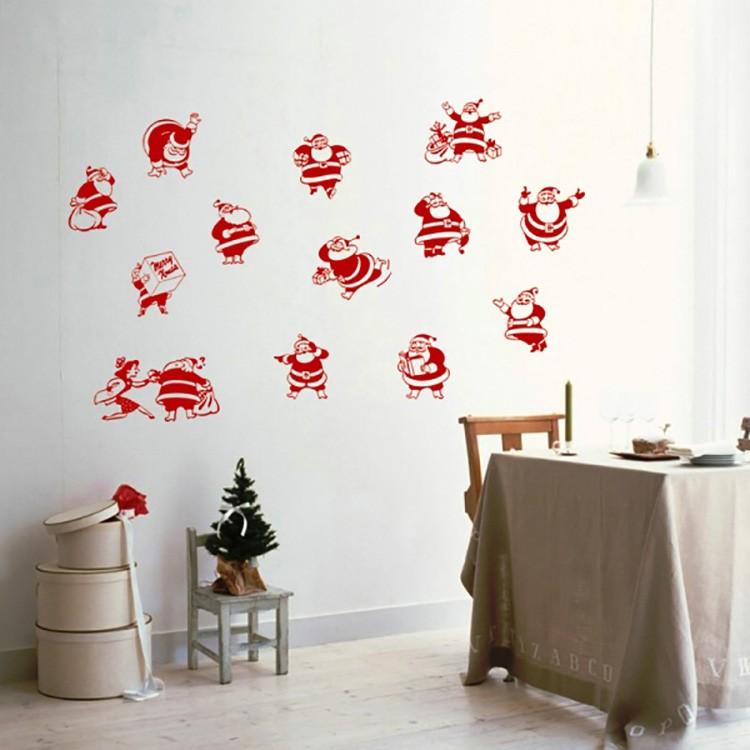 Наклейки в виде вытынанок лучше всего клеить на окрашенные стены.