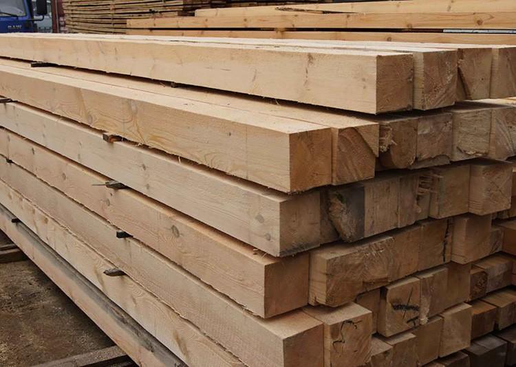 Выбор древесины способен оказать существенное влияние на стоимость строительства