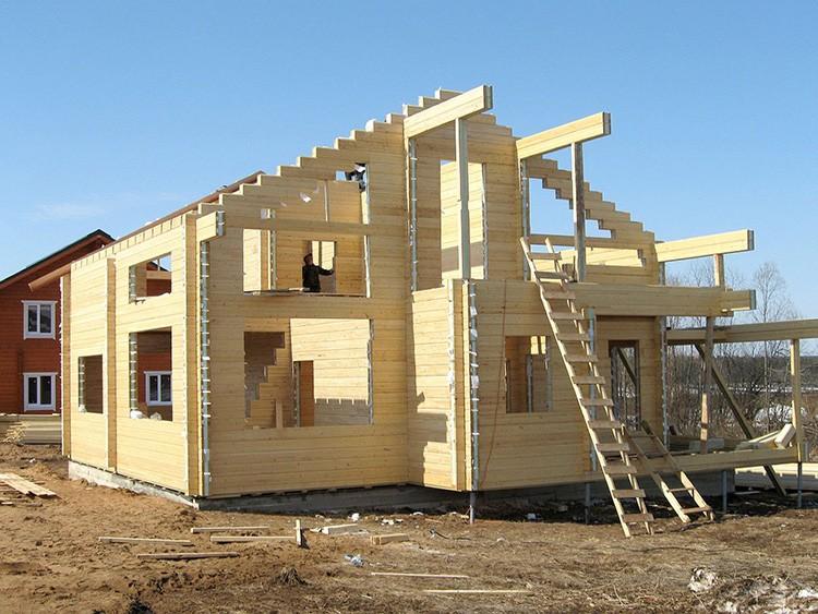 Строительство дома из клееного бруса имеет свои нюансы
