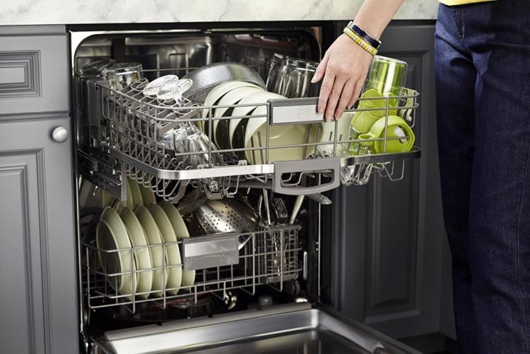 Современные посудомоечные машины идеально справляются со своей задачей