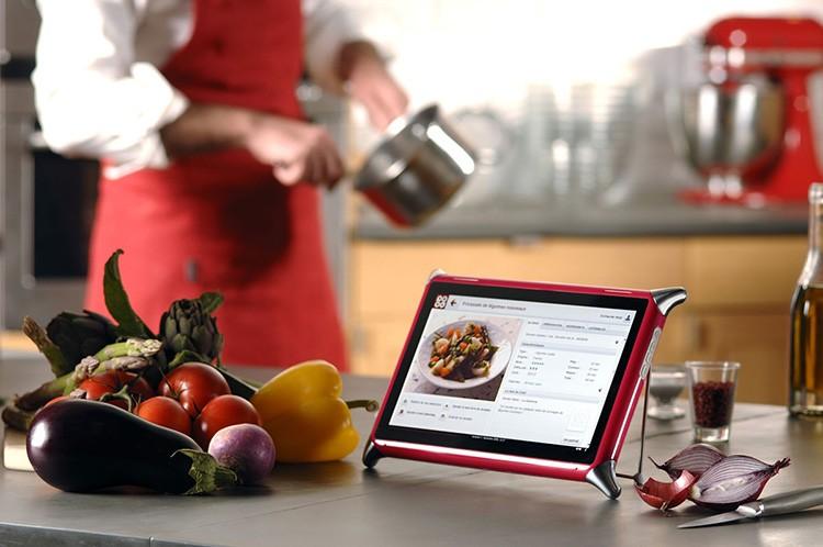 Этот планшет можно использовать и для поиска рецептов в Сети, и для сохранения собственных блюд