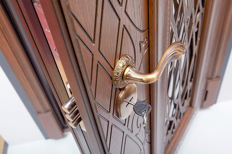 Даже с одной дверью в доме будет тепло и комфортно