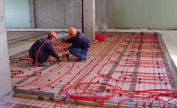 Этот теплоизоляционный материал можно смело использовать под бетонные полы и систему «тёплый пол»