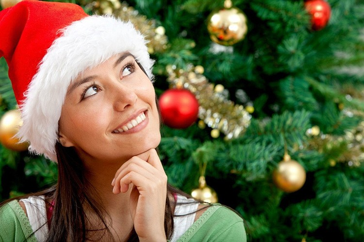 Украшение дома и подготовка подарков – это приятные новогодние хлопоты