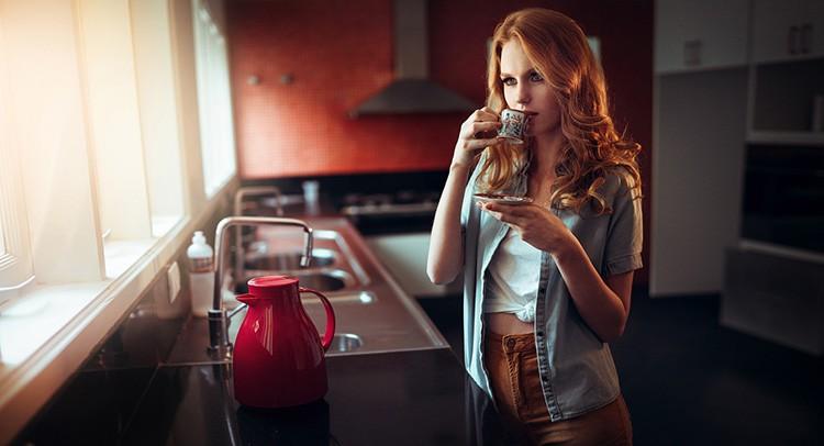 Чтобы кухня выглядела аккуратной, нужно продумать систему хранения